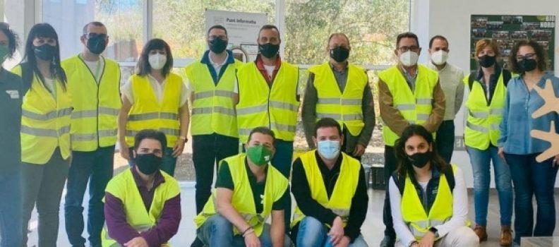 El equipo de educación ambiental de la Diputació de la zona Norte visita la planta de Cervera